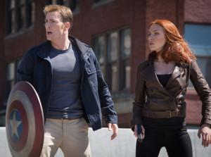Captain America und Black Widow stehen nicht nur einem übermächtigen Feind gegenüber.
